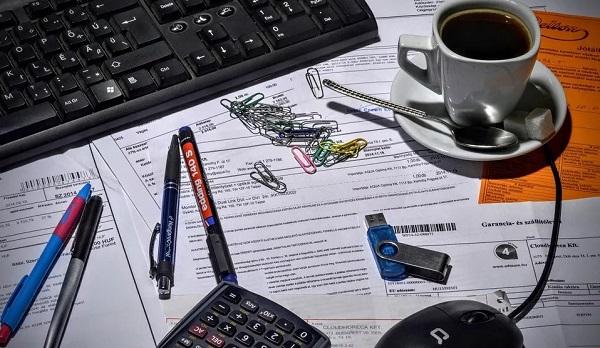 面对大数据时代,财务管理面对的应该如何应对一些问题
