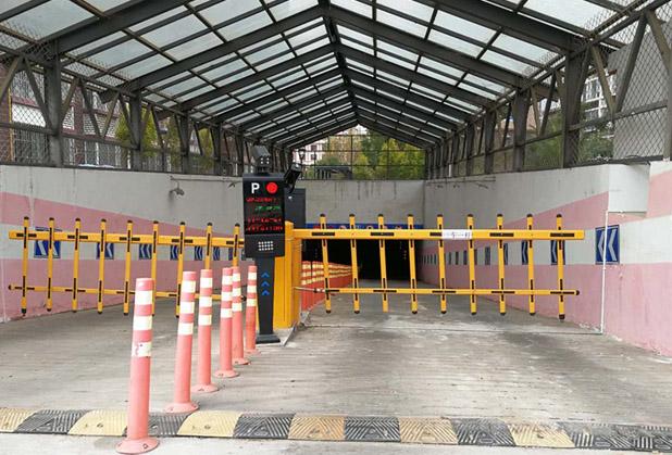 停车场车牌识别系统的运用,刷卡或人工模式将会淘汰?