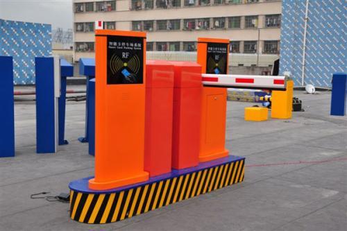 怎样选择停车场道闸系统?