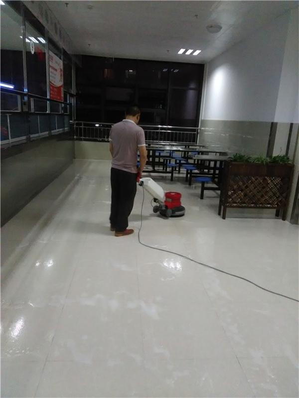 食堂地面防滑施工案例