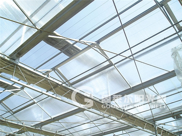 西安中空板的首要施工工艺