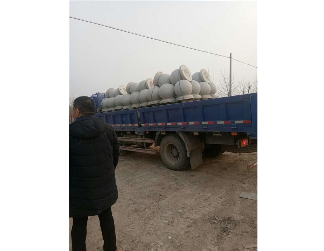 河南不锈钢路桩厂家团队展示