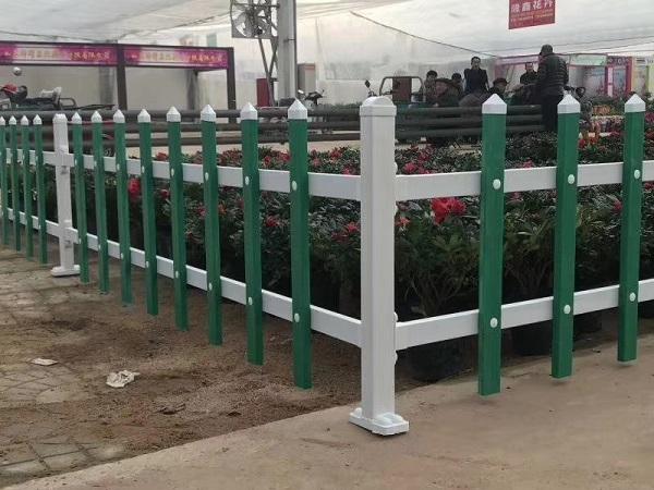 草坪护栏工程案例