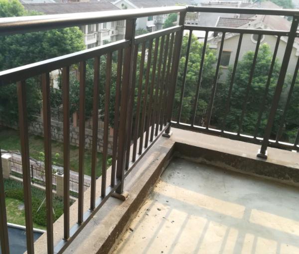 锌钢护栏出现褪色掉漆现象应该如何让处理?