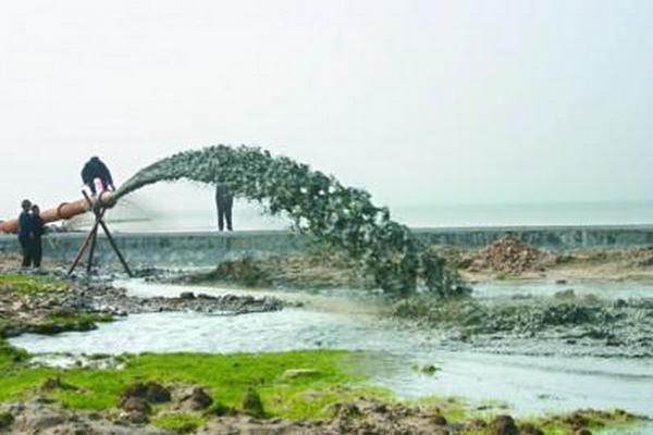 市政公司中标巢湖生态清淤试点工程