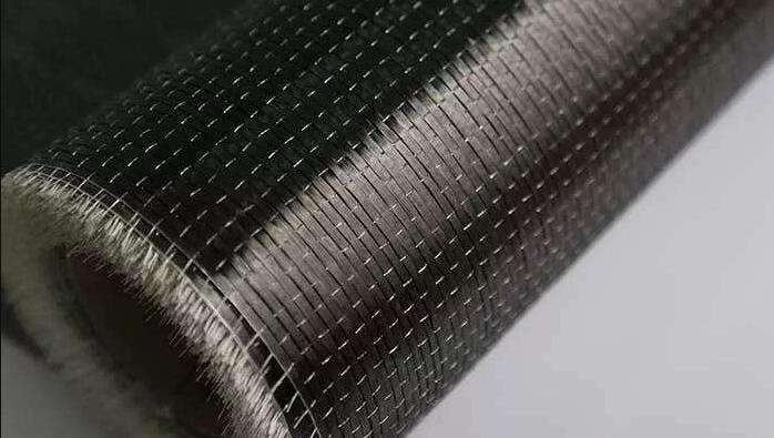 碳纤维板和布哪种碳纤维材料加固效果更胜一筹