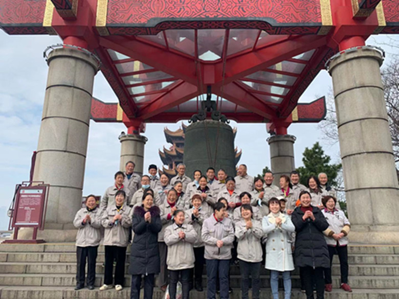 江城清洗春節慰問堅守一線的保潔人員