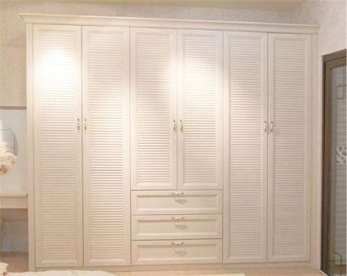 武汉日常保洁教大家清洁衣柜的几种方法