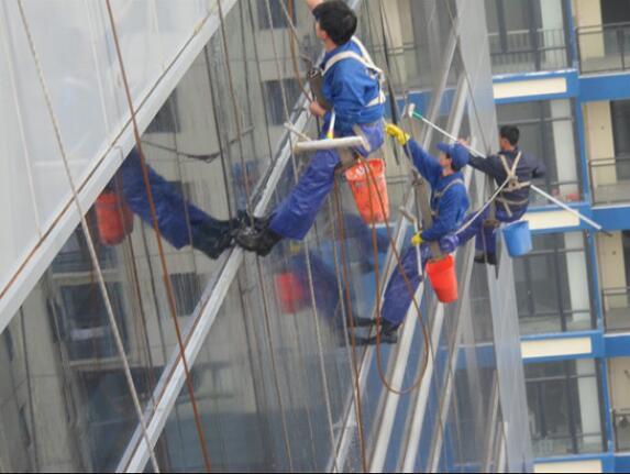 一起来看看武汉外墙清洗的操作流程