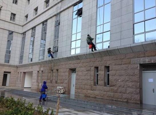 武漢外墻清洗-市政大樓