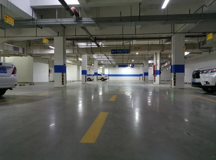 西安透水地坪怎么清理起来更方便呢?