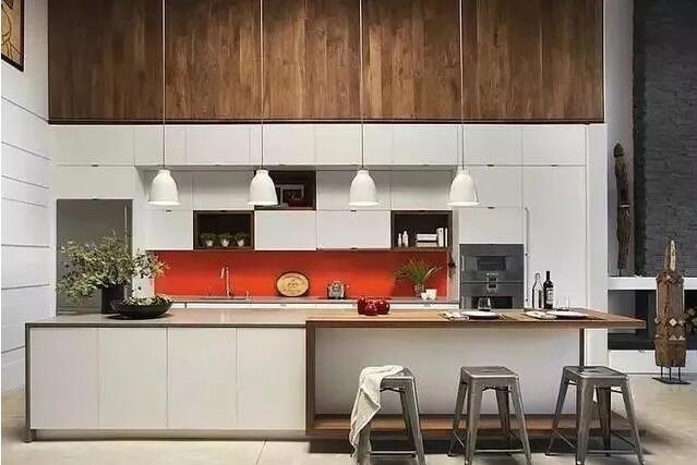 宇然建材向你讲解传统橱柜和全铝橱柜哪个更加实用?
