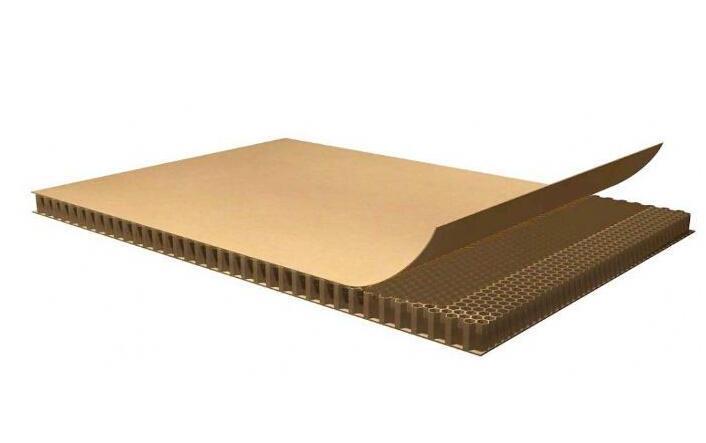 蜂窝纸板运输过程中,如何进行防水和防潮处理?