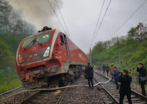 济南发往广州的T179次列车,发生脱轨事件
