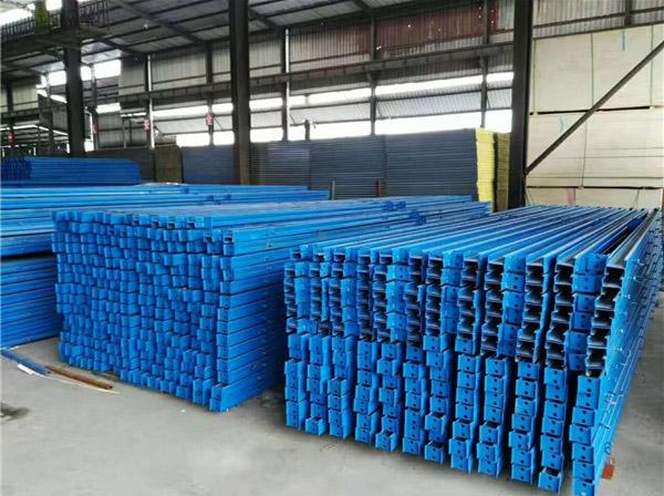 活动板房材料堆放区域