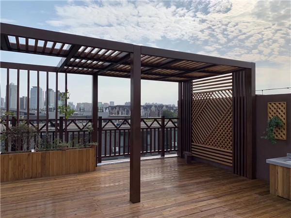 木阳台庭院