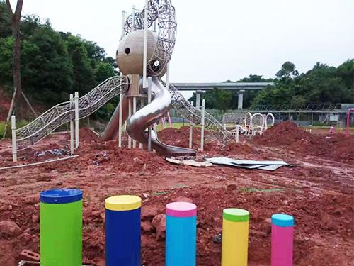 成都儿童主题乐园设备厂家施工案例:乐山四季果香滑梯项目
