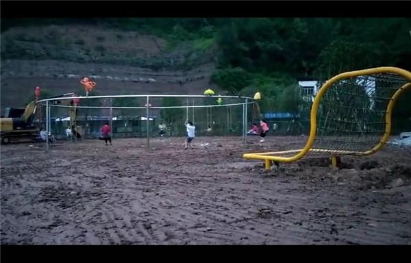 成都户外拓展设备案例:蓬安百牛渡江景区