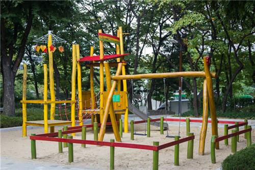 成都木◇质游乐场设施