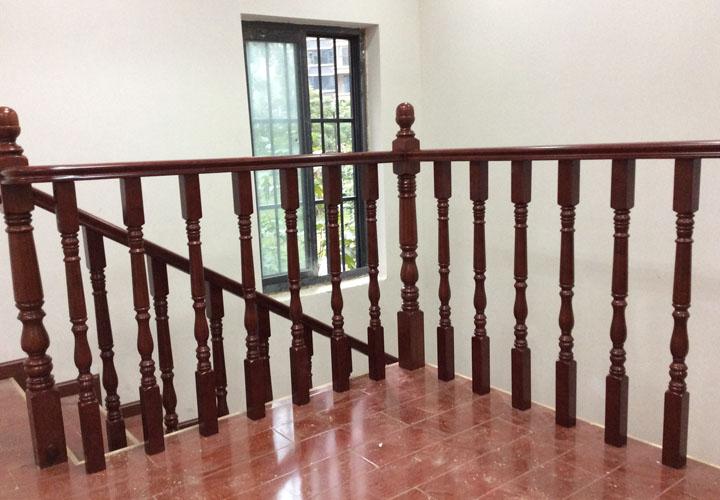 保利花园成都实木楼梯工程案例