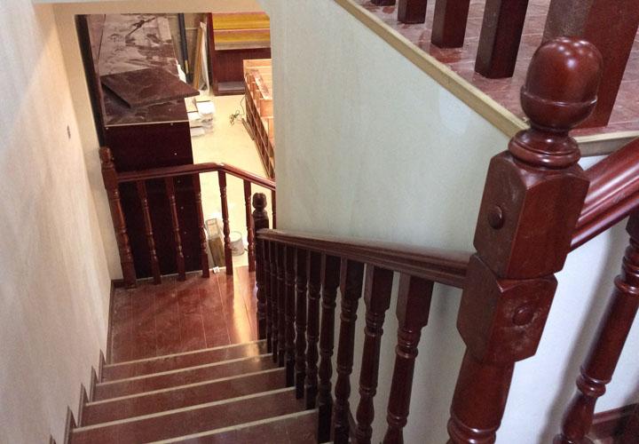 成都实木楼梯施工