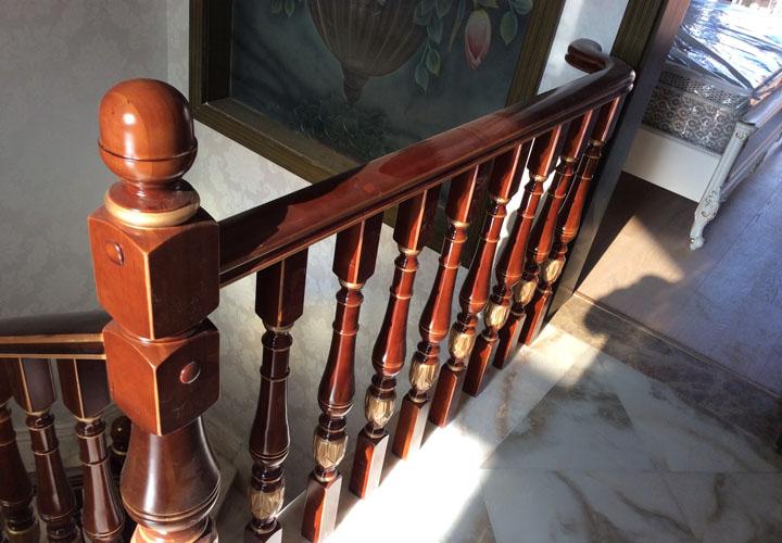四川实木楼梯施工后