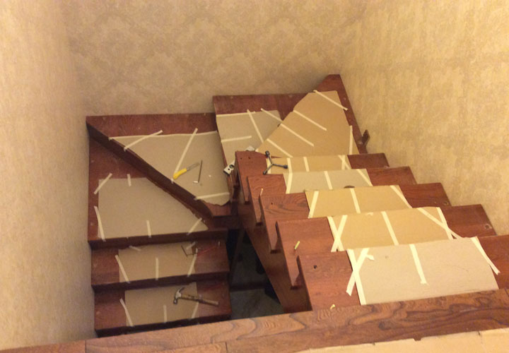 天鹅湖实木楼梯案例