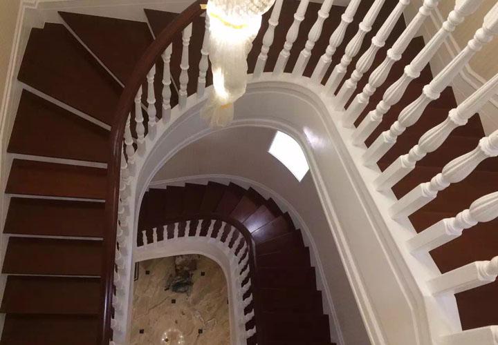 外协安装成都实木楼梯案例