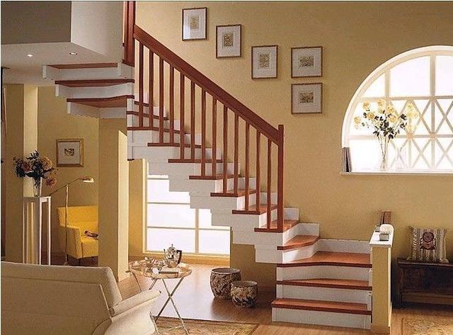 成都实木楼梯常用的材质有哪些?