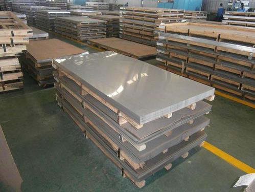 各行各业少不了宜昌不锈钢板的存在,在其表面其实有一层防护膜保护着板材
