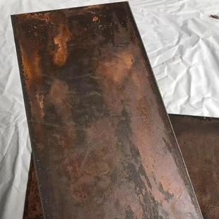 不锈钢材质的用途较多,如宜昌不锈钢板等,当其出现锈斑时要及时处理