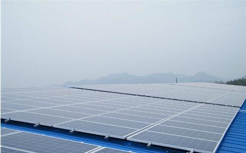 高温和暴雨时节,我们的河南光伏发电设备应应该这样维护!