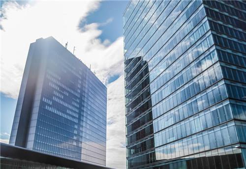 固中财铝业很好的应用在现代高楼中!