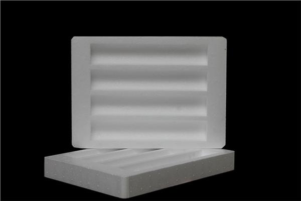 西安博鑫特包装材料厂小编为大家分享西安泡沫制品的主要使用特性