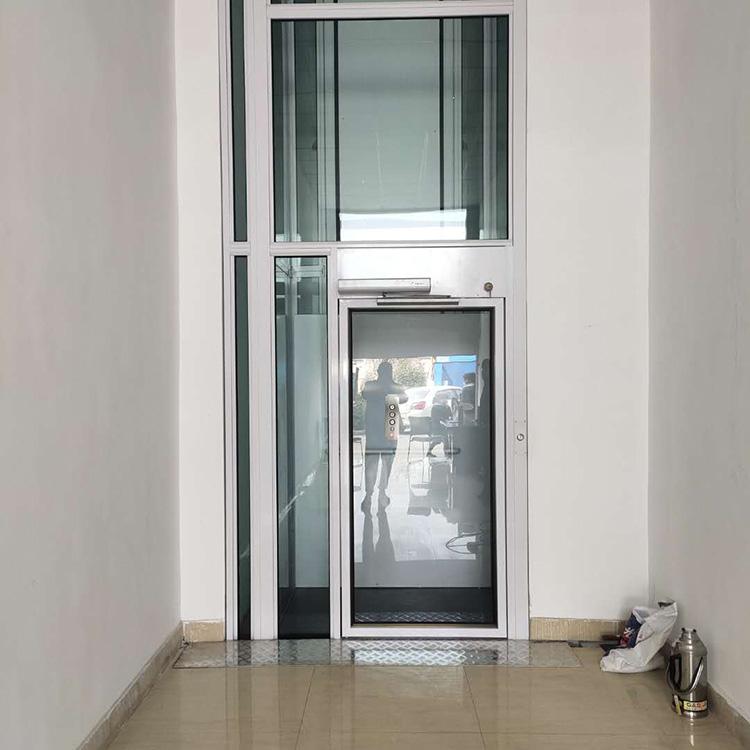 家用电梯(电动平开门)