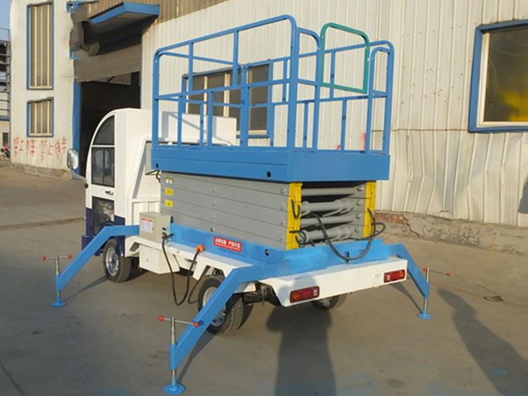 车载式升降机