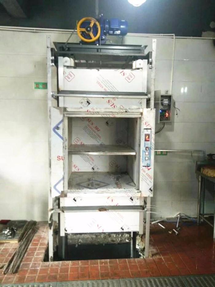 传菜电梯安装案例