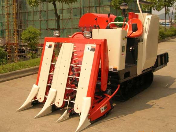 四川小型收割机的特点以及操作注意