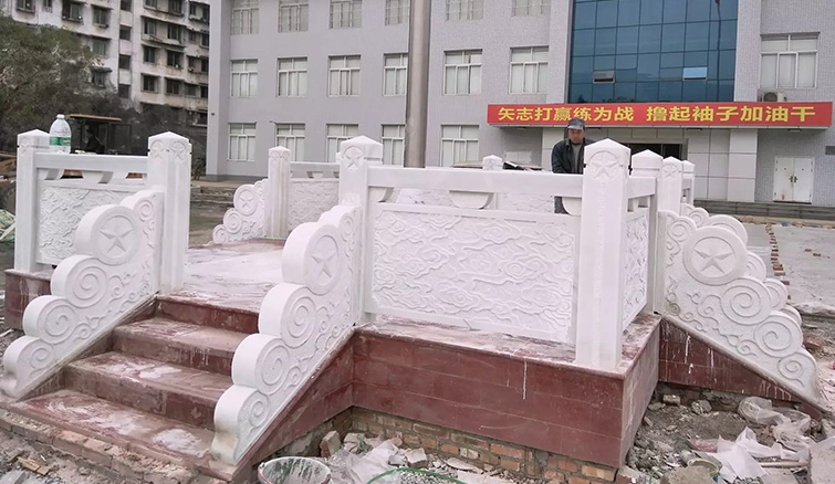 宝兴县汉白玉旗台施工成功案例