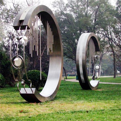 一起了解下四川不锈钢雕塑的优点吧