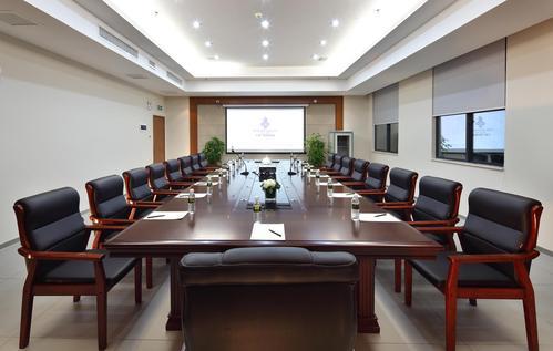会议音响系统设备中功率放大器的主要作用
