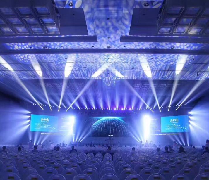 常用的舞台灯光音响设备有哪些?