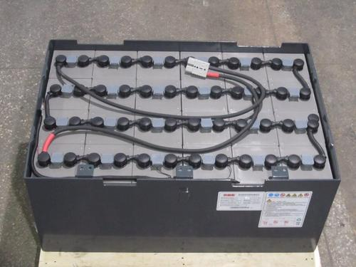 叉车配件常用的蓄电池分类及特点