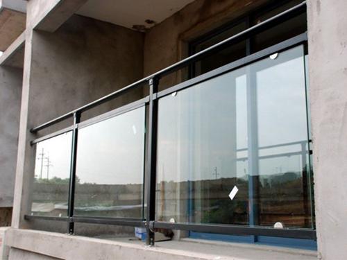 四川锌钢护栏安装现场