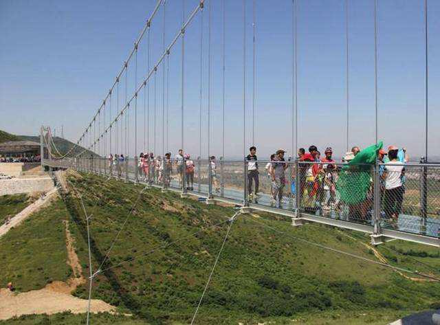 河南玻璃吊桥