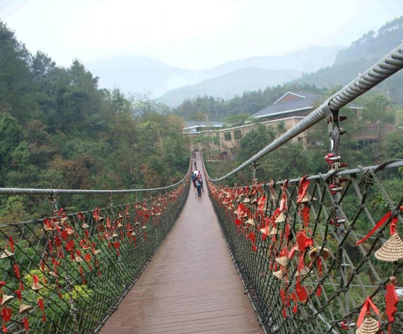 为什么景区要建河南吊桥?可以吸引游客,增强景区的经济效益