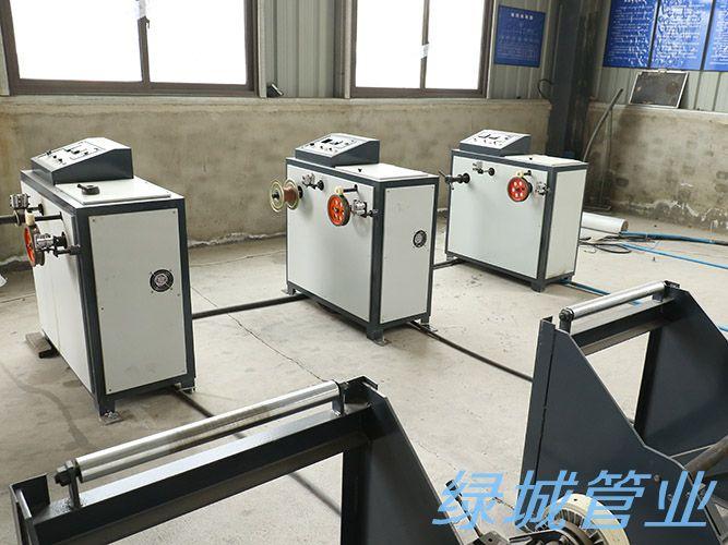 四川PE管销售公司生产设备展示