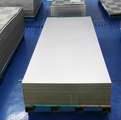今天來給大家分享一下鈦板沖壓工藝下料采用的方法