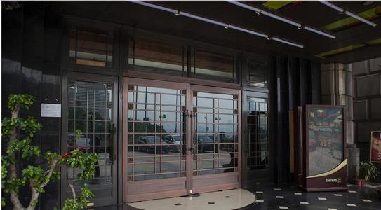 铜门关系着装修的效果,那么铜门要怎么去选购呢?