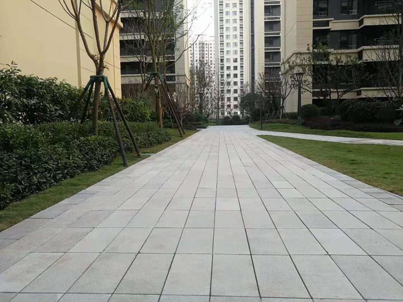 路面仿石PC砖施工